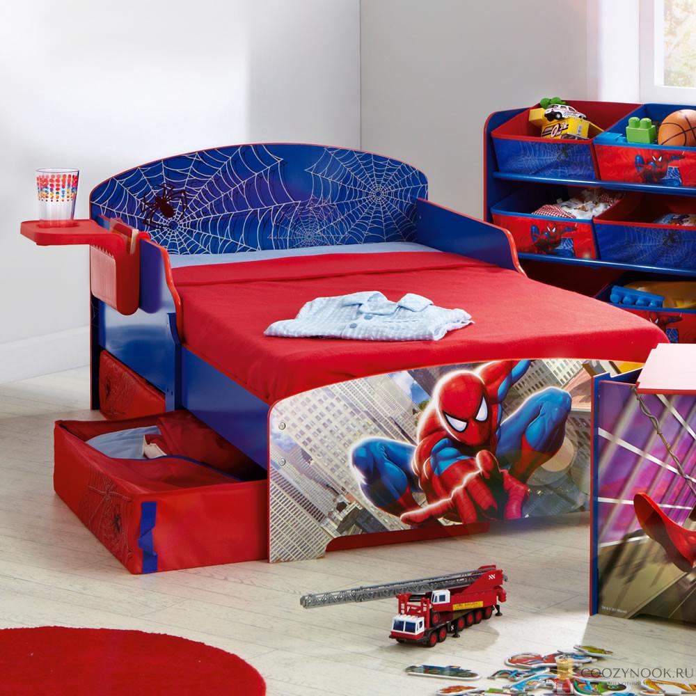 кровать с человеком пауком